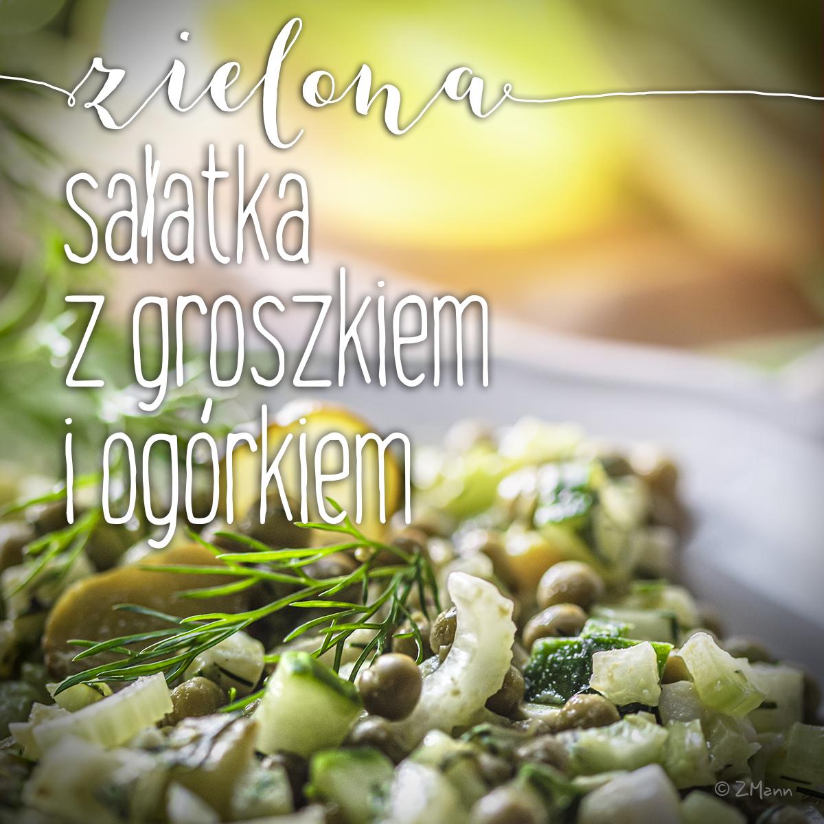 zielona sałatka z groszkiem i ogórkiem . i selerem naciowym